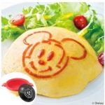 電子レンジでミッキーマウスのオムライス